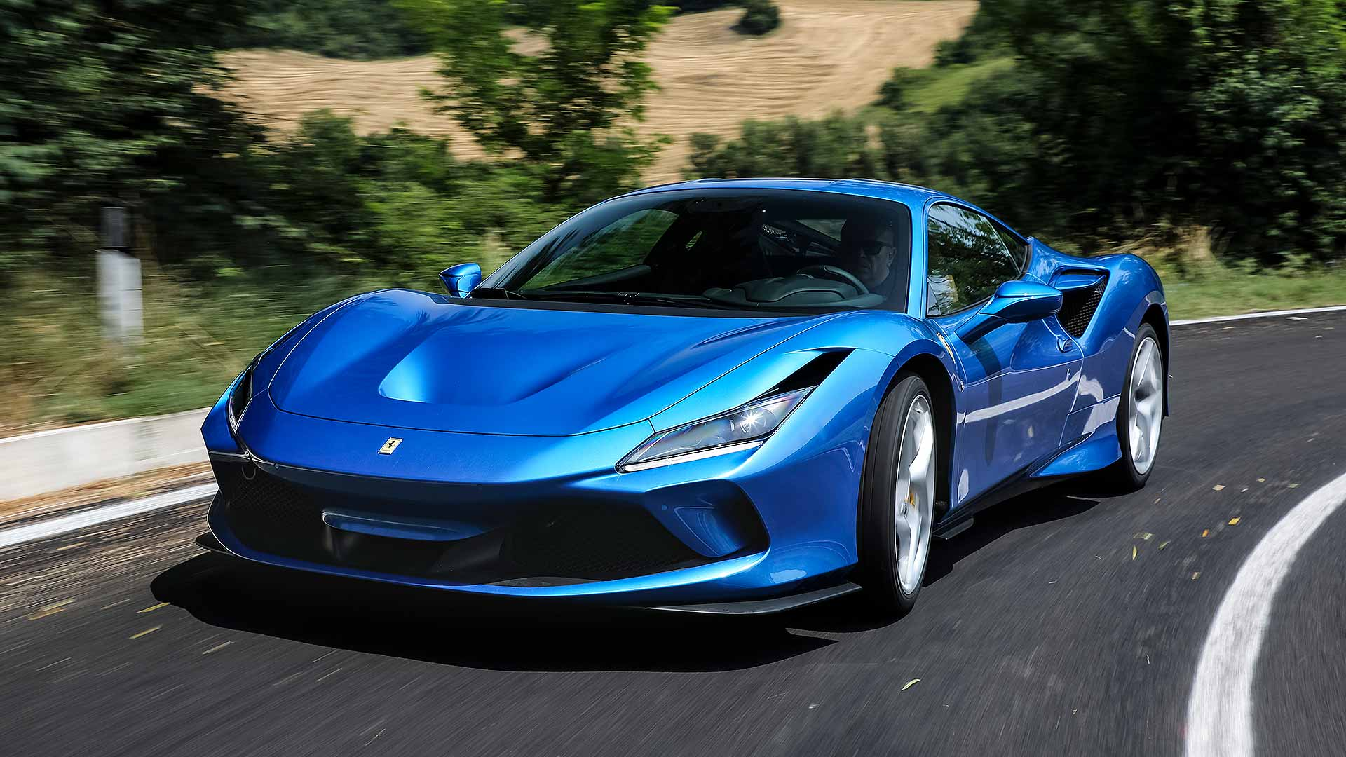 ferrari-f8-tributo-2020-is-the-best-sports-car-in-the-year-2020-what-do-you-think_0